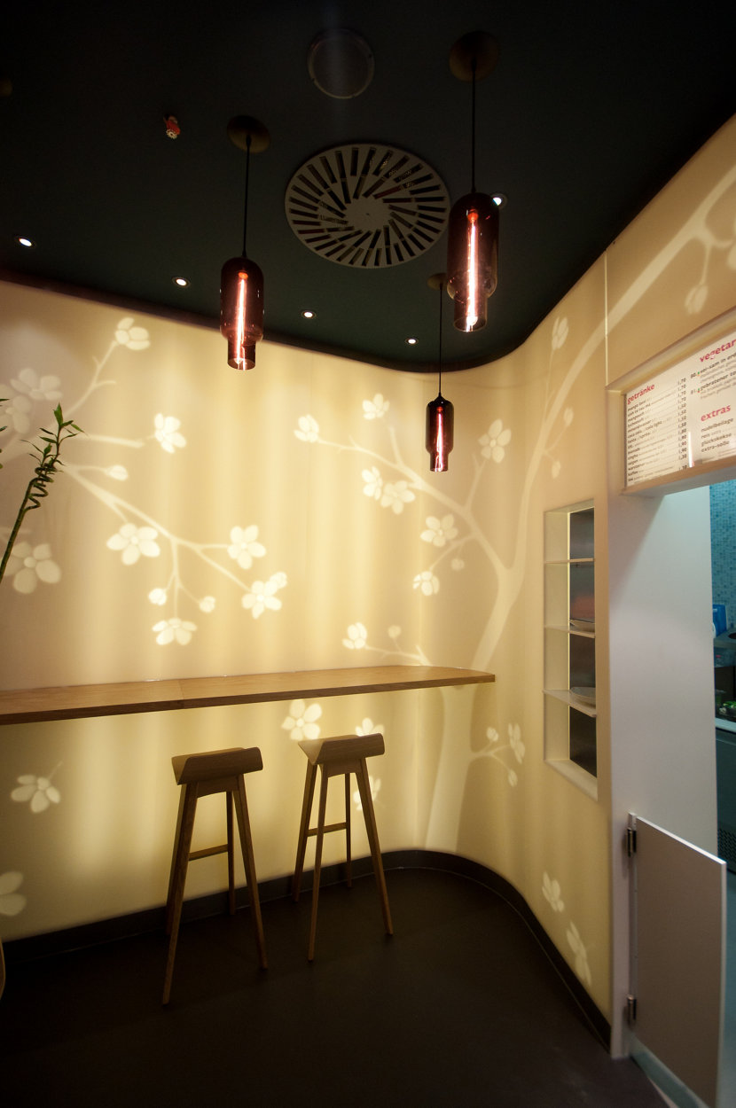 Modern Restaurant Lighting - Plum Pharos