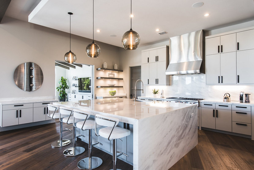 Kitchen Pendant Lighting Featured in Minimal Home