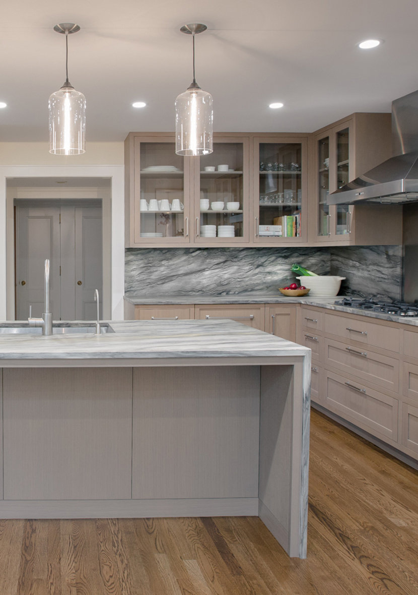 Clear Glass Pendant Lights Complement Cool Tones In Modern Kitchen - Kitchen up lighting