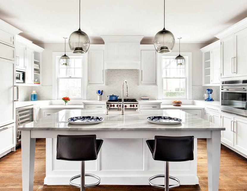 Kitchen Island Pendant Lighting And Counter Pendant Lighting Come Together  In This Modern Interior