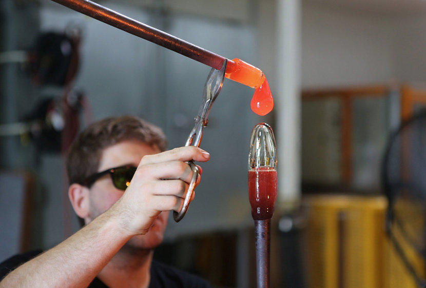 Color Dropping Glass Blowing