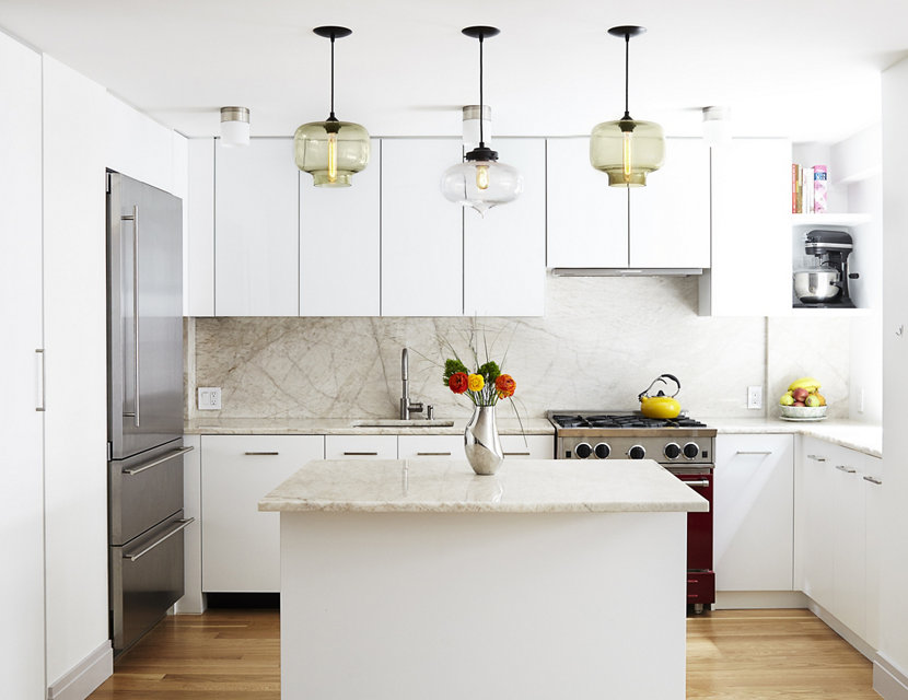 3 ways to use kitchen island modern lighting in a white for Amenagement cuisine provencale