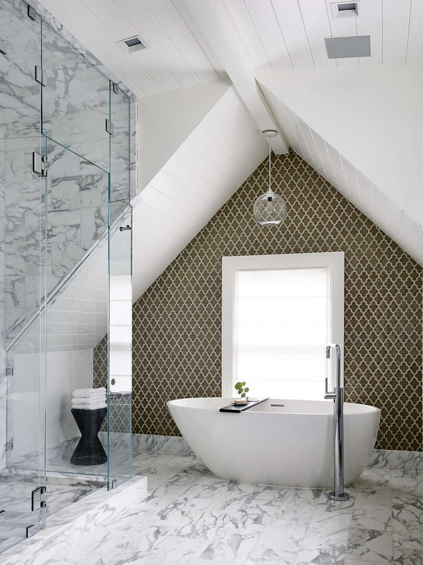 A Single Solitaire Pendant in Crystal Glass Hangs above the Bathtub in This San Francisco Home