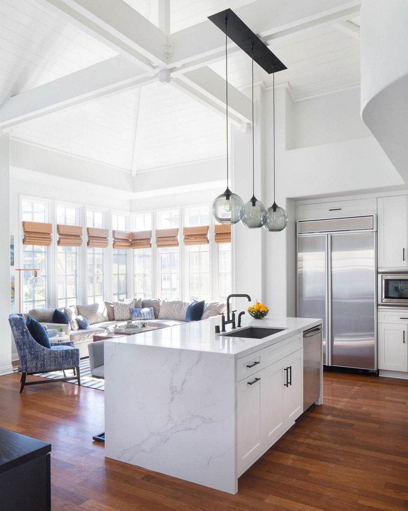 Kitchen Island Lighting - Niche Solitaire Pendants in Kitchen
