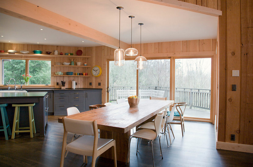 Table Pendant Lighting Encourages Mixing-and-Matching in Oregon Home