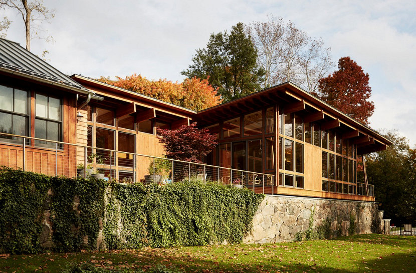 Exterior of Sands Point House by architect Ole Sondresen