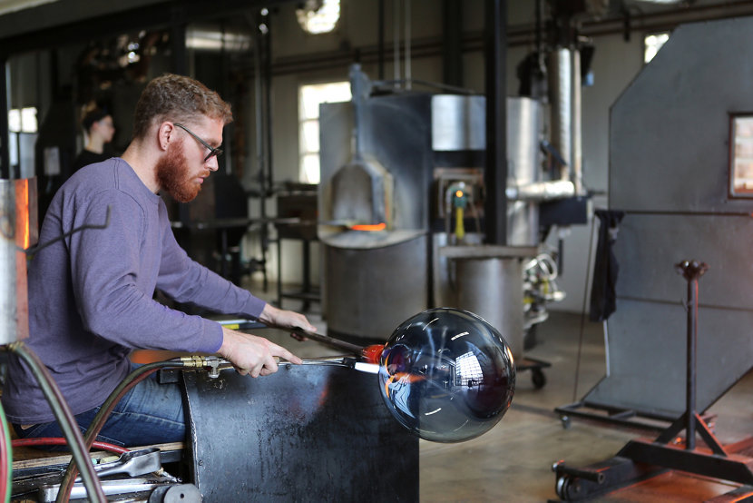 Spring Factory Sale - Watch Live Glass-Blowing Demonstrations