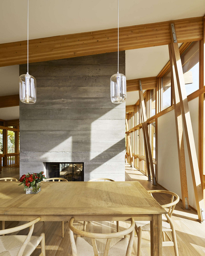 Niche crystal Pod pendant lights in Sands Point House by Ole Sondresen