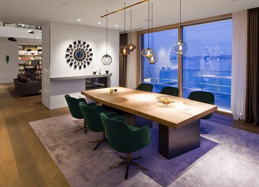Multi-Pendant Lighting in Dining Room