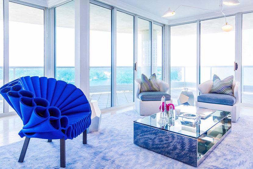 modern beach home living room