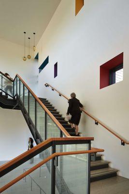 Hospital Uses Pendant Lighting In Modern Stairway
