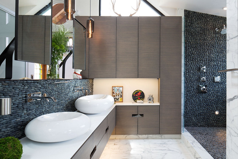 The Gray Glass Complements the Design Elements in the Bathroom