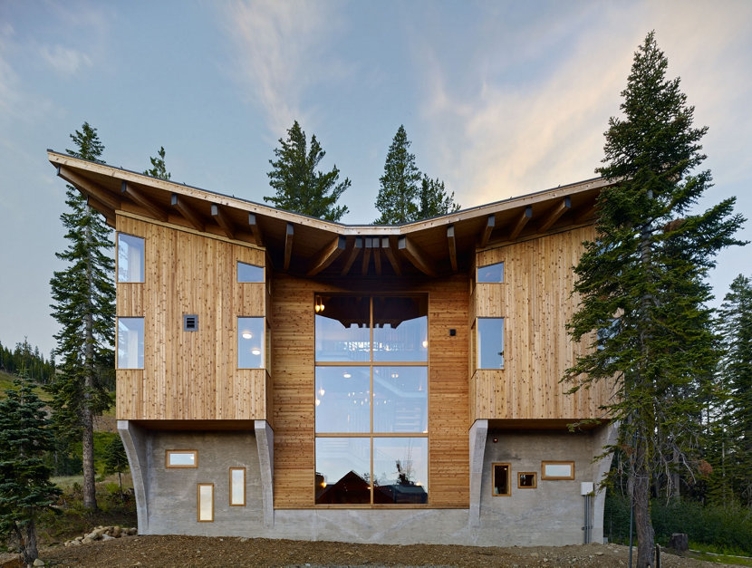 Modern Lake Tahoe Sugarbowl Ski Resort Cabin Exterior