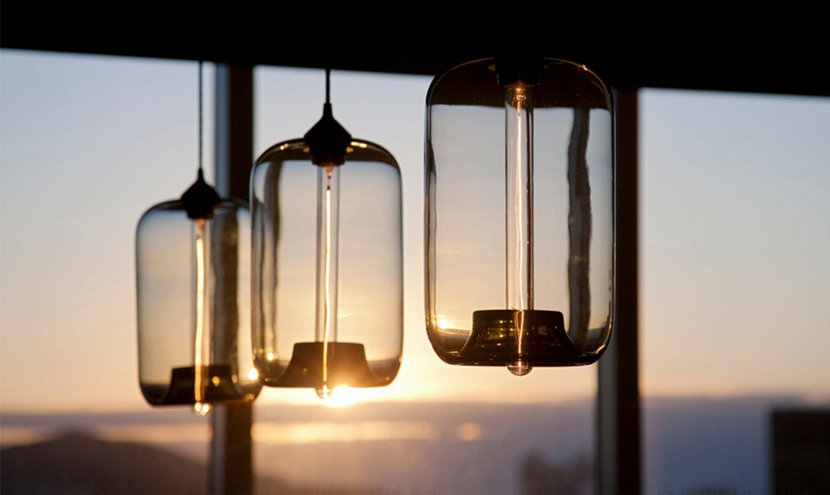 glass pendant lights diffuse light