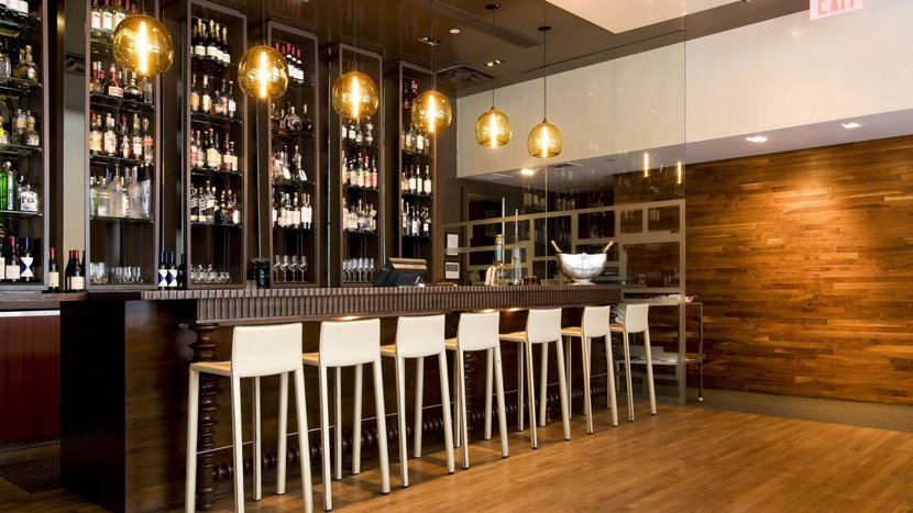 Bar Turn Heads With Modern Pendant Lighting